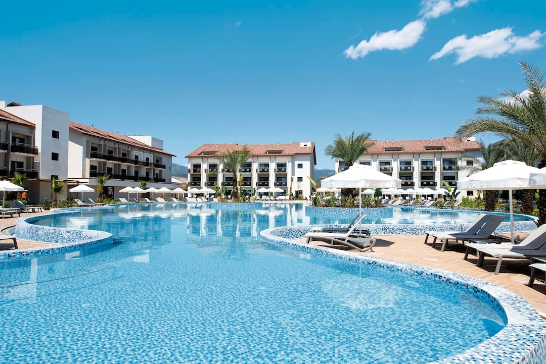 Holiday to Tui Sensatori Resort Barut Fethiye in FETHIYE (TURKEY) for 3 nights (AI) departing from gatwick on 20 Apr