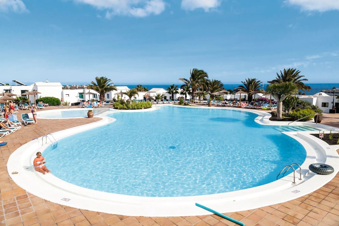 Holiday to Costa Sal Apartments in MATAGORDA (SPAIN) for 3 nights (SC) departing from birmingham on 28 Mar