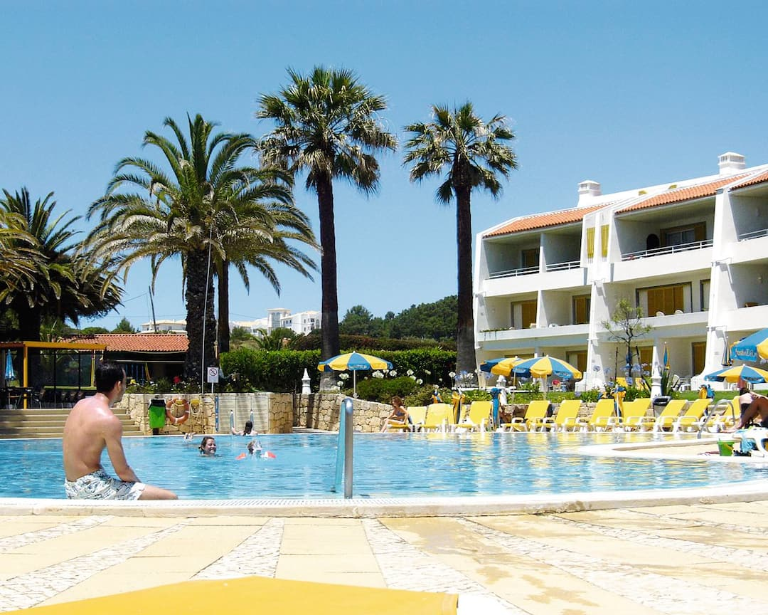 Holiday to Jardim Do Vau in PRAIA DO VAU (PORTUGAL) for 7 nights (SC) departing from stansted on 06 Oct
