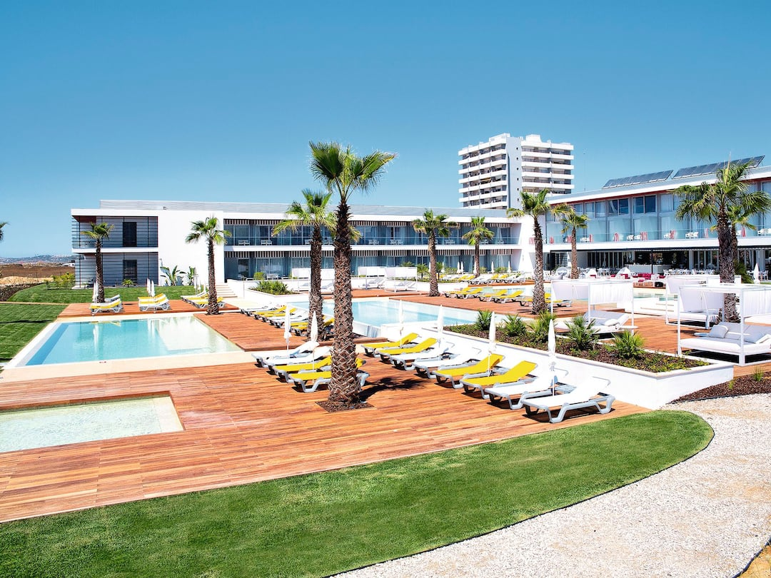 Holiday to Pestana Alvor South Beach Premium Suite Hotel in ALVOR (PORTUGAL) for 7 nights (BB) departing from east midlands on 07 May