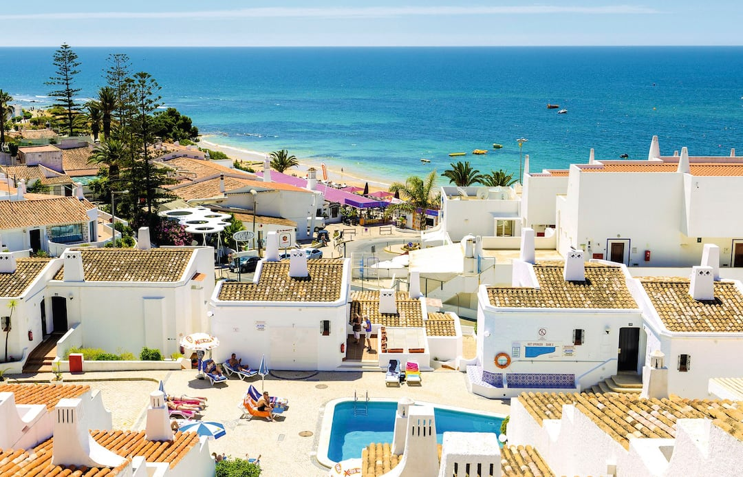 Holiday to Golden Beach By 3Hb in PRAIA DOURA (PORTUGAL) for 3 nights (SC) departing from gatwick on 16 Sep