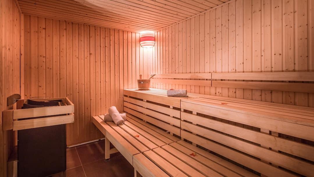 le grand aigle hotel spa villeneuve serre chevalier crystal ski ireland. Black Bedroom Furniture Sets. Home Design Ideas