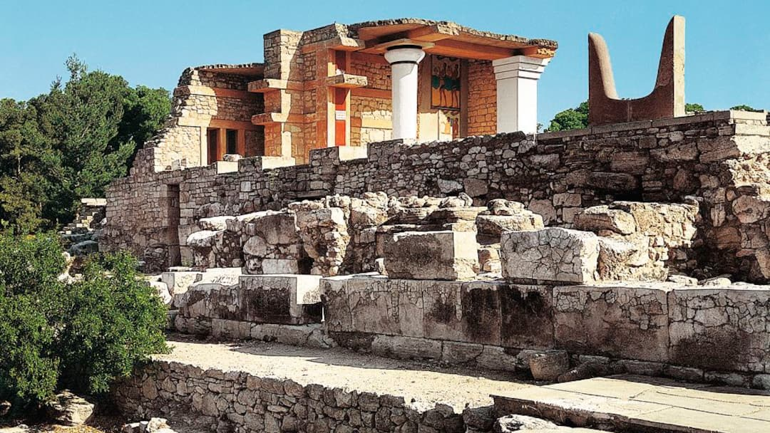 Swot Up On History At The Palace Of Knossos