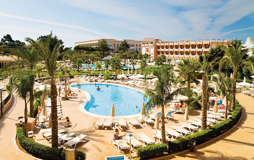 Holiday to Riu Guarana Hotel in OLHOS DAGUA (PORTUGAL) for 7 nights (AI) departing from gatwick on 26 Apr