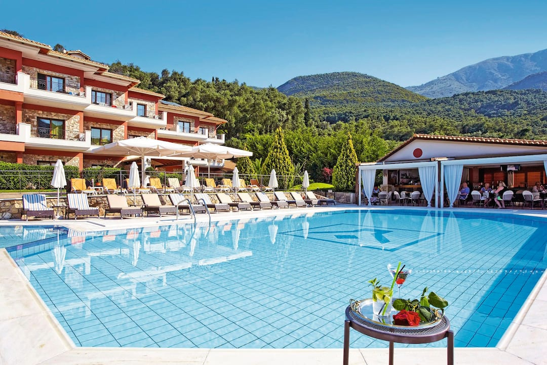 Holiday to Dracos Aparthotel in PARGA (GREECE) for 3 nights (SC) departing from gatwick on 07 Jun