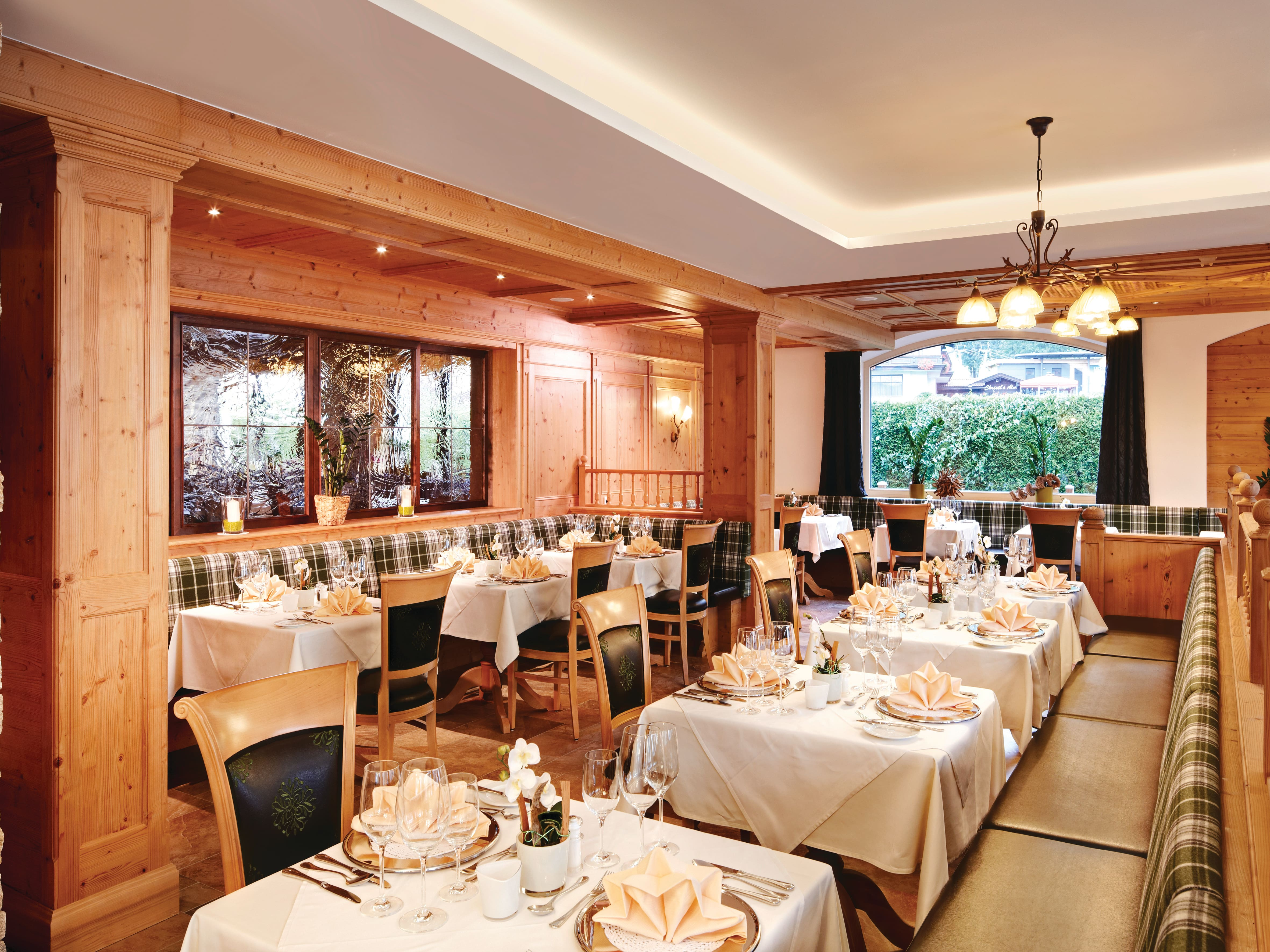 Hotel Tauernhof restaurant in Kaprun