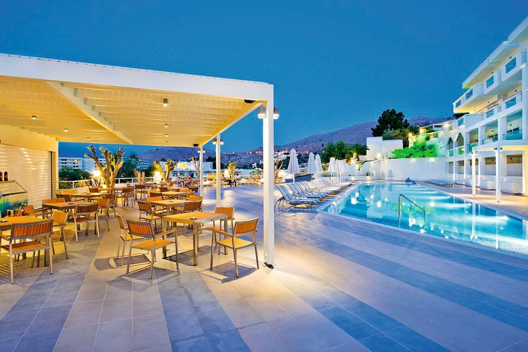 Holiday to Lindos White Hotel And Suites in LINDOS (GREECE) for 3 nights (AI) departing from gatwick on 12 Oct