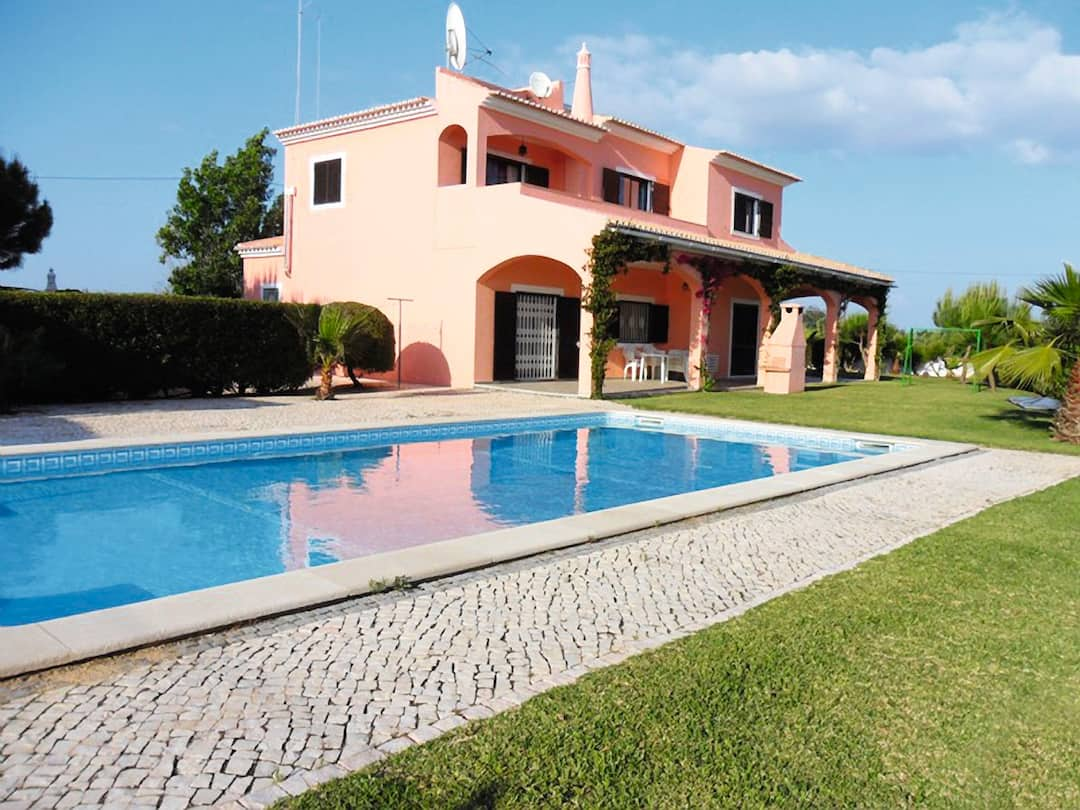 Holiday to Sanuno Villa in VALE DE PARRA (PORTUGAL) for 7 nights (SC) departing from east midlands on 02 Jun