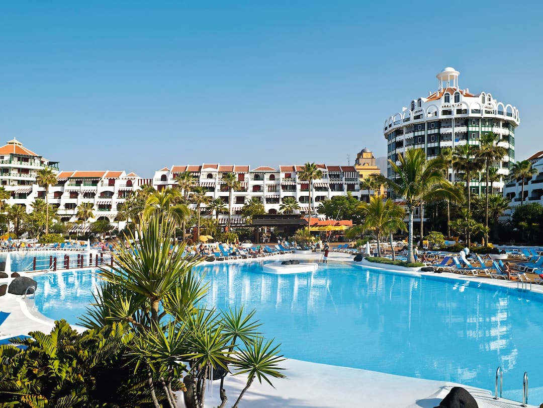 Holiday to Parque Santiago Iii Apartments in PLAYA DE LAS AMERICAS (SPAIN) for 3 nights (SC) departing from gatwick on 06 May