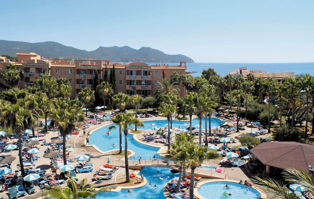 Holiday to Protur Bonaire Aparthotel- Self Catering in CALA BONA (SPAIN) for 5 nights (SC) departing from gatwick on 26 Apr