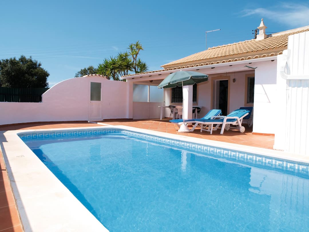 Holiday to Casa Amoreira Velha in CARVOEIRO (PORTUGAL) for 7 nights (SC) departing from east midlands on 06 Oct