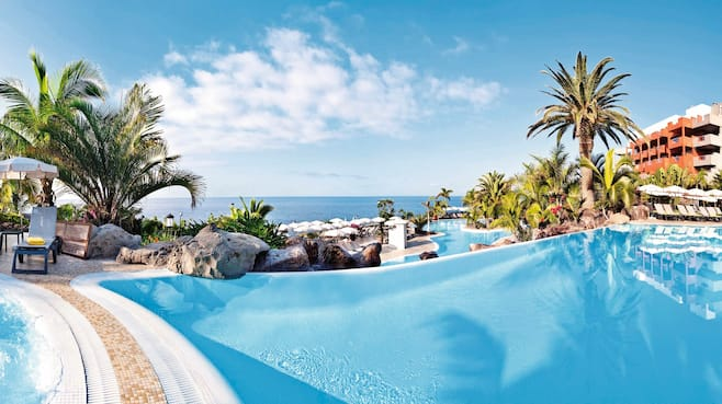 Adrian hoteles roca nivaria gh in playa paraiso thomson for Roca tenerife