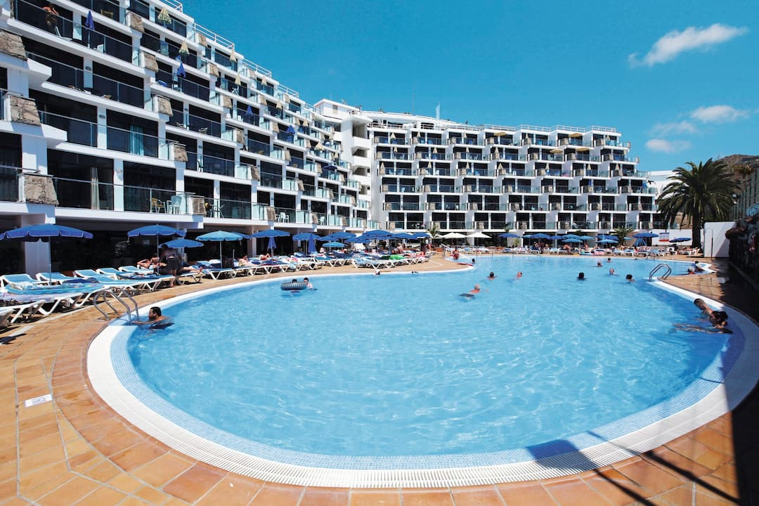 Holiday to Revoli Playa Apartments in PUERTO RICO (SPAIN) for 3 nights (SC) departing from gatwick on 29 Apr