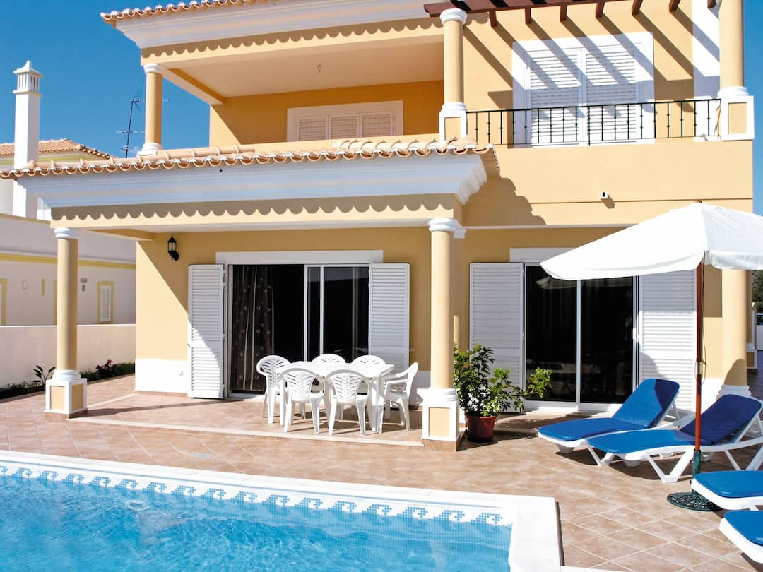 Holiday to Casa Pedro in ALBUFEIRA (PORTUGAL) for 7 nights (SC) departing from gatwick on 05 May
