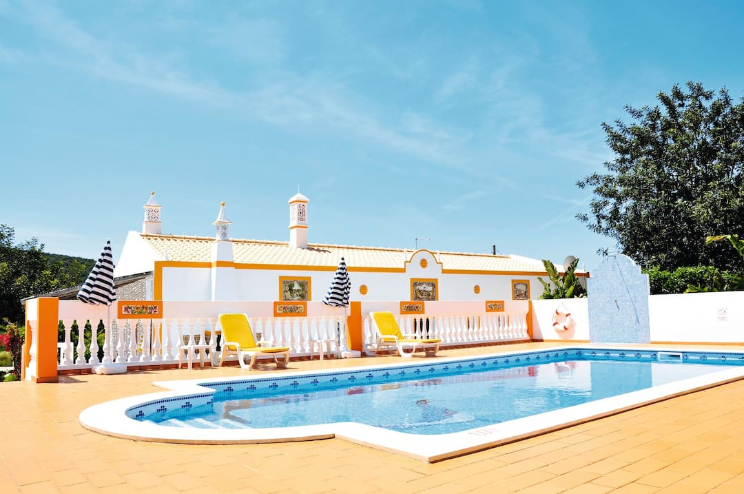 Holiday to Esteval Dos Mouros Villa in ALTE (PORTUGAL) for 7 nights (SC) departing from east midlands on 06 Oct