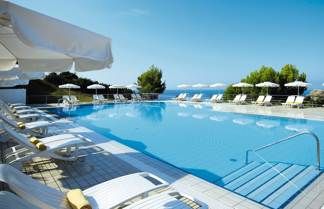 Holiday to White Rocks Hotel Kefalonia in LASSI (GREECE) for 7 nights (HB) departing from gatwick on 23 Sep
