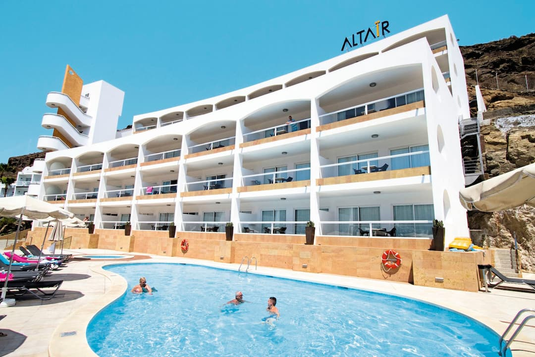 Holiday to Altair in PUERTO RICO (SPAIN) for 3 nights (SC) departing from gatwick on 02 Dec