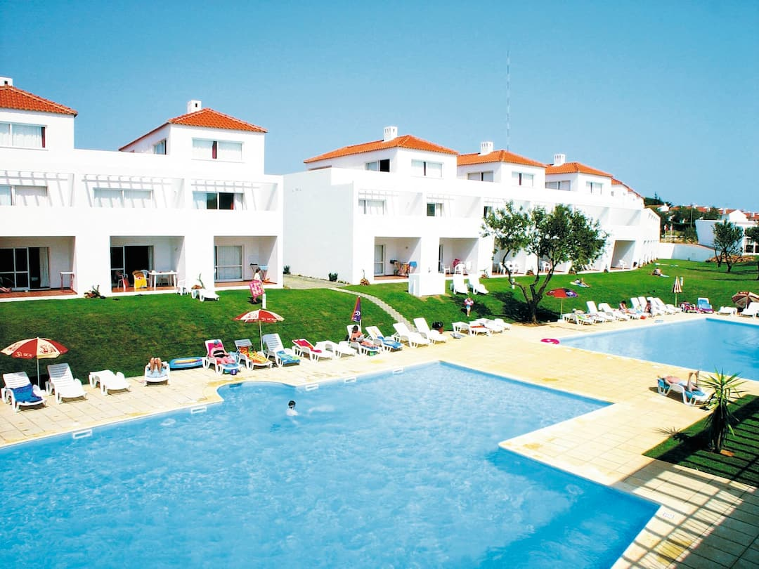 Holiday to Pateo Village in ALBUFEIRA (PORTUGAL) for 4 nights (SC) departing from manchester on 16 May