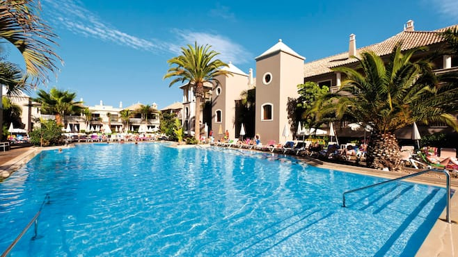 Marylanza Suites And Spa Resort Thomson