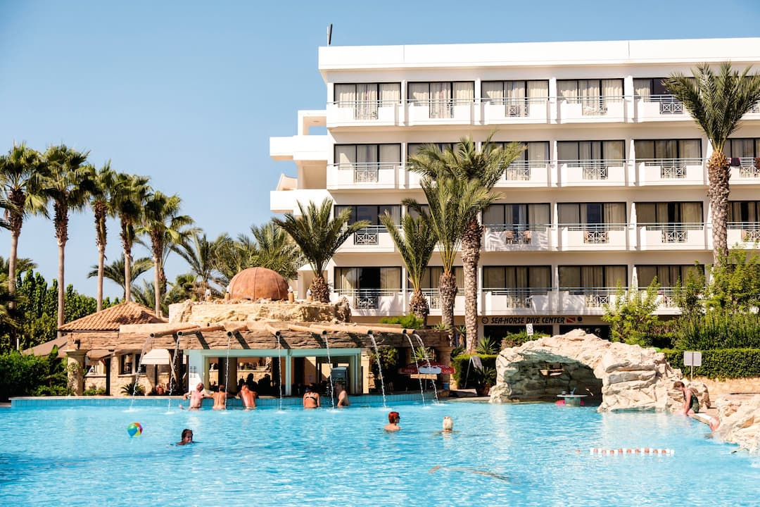 Holiday to St George Hotel in PAPHOS (CYPRUS) for 4 nights (HB) departing from gatwick on 27 Nov