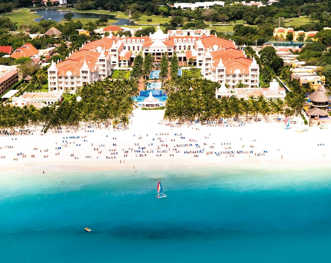 Holiday to Riu Palace Riviera Maya in PLAYACAR (MEXICO) for 7 nights (AI) departing from gatwick on 02 Jun
