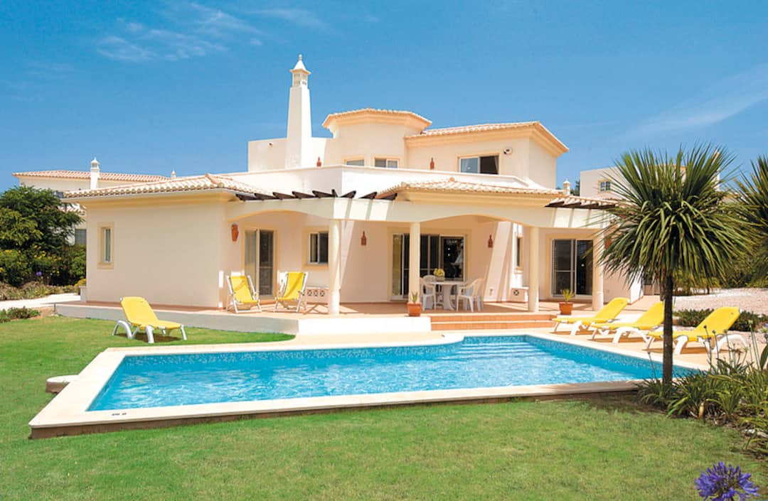 Holiday to Casa Tulsi in CARVOEIRO (PORTUGAL) for 7 nights (SC) departing from east midlands on 06 Oct