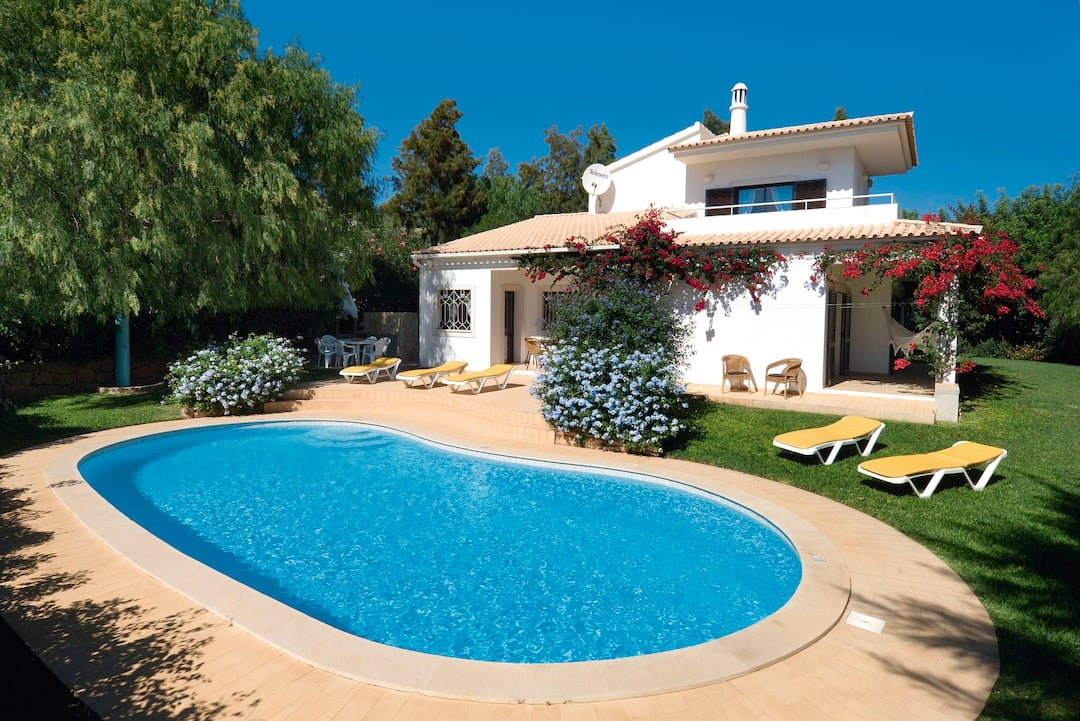 Holiday to Casa Da Alfarrobeira in ALMANCIL (PORTUGAL) for 7 nights (SC) departing from stansted on 06 Oct