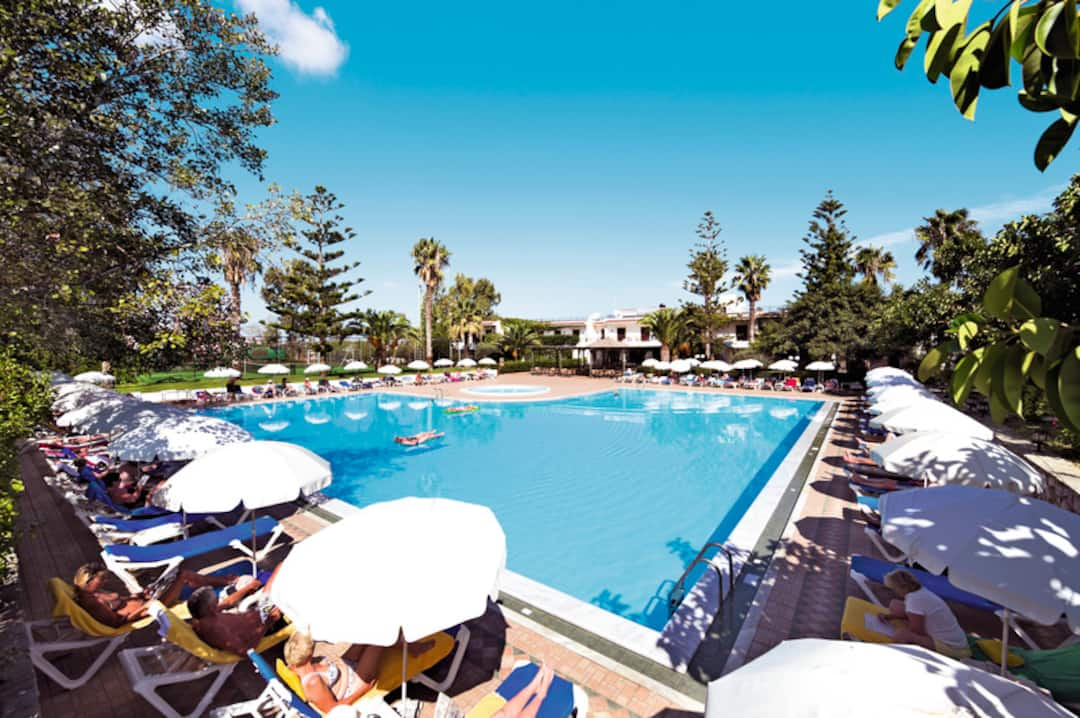 Holiday to King Minos Palace Hotel in HERSONISSOS (GREECE) for 3 nights (HB) departing from stansted on 19 Sep
