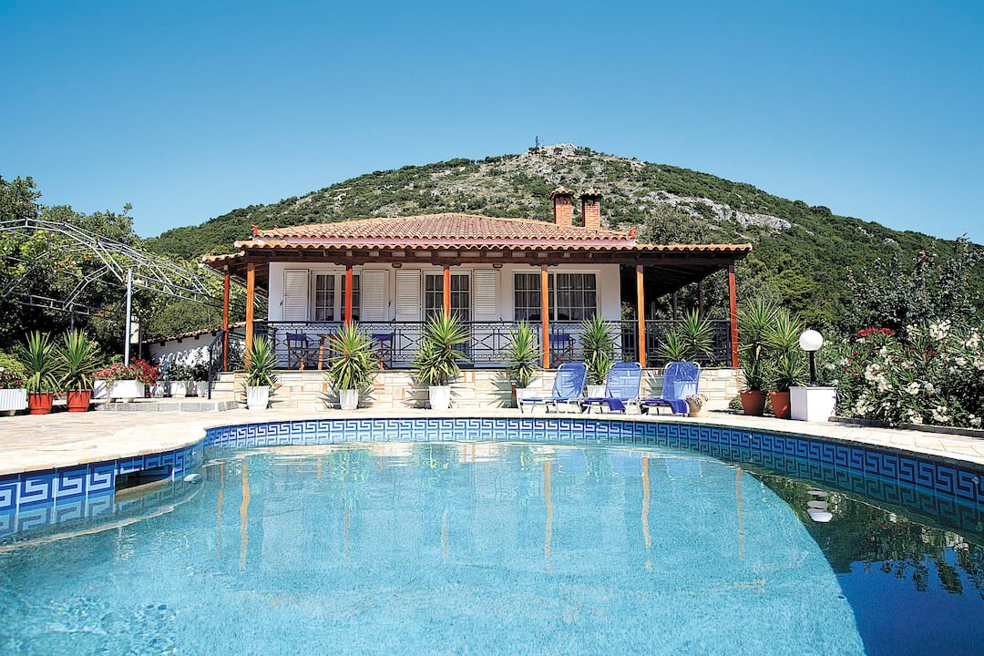 Holiday to Mitzelos Villa & Apartments in EVANGELISTRIA (GREECE) for 7 nights (SC) departing from east midlands on 01 May
