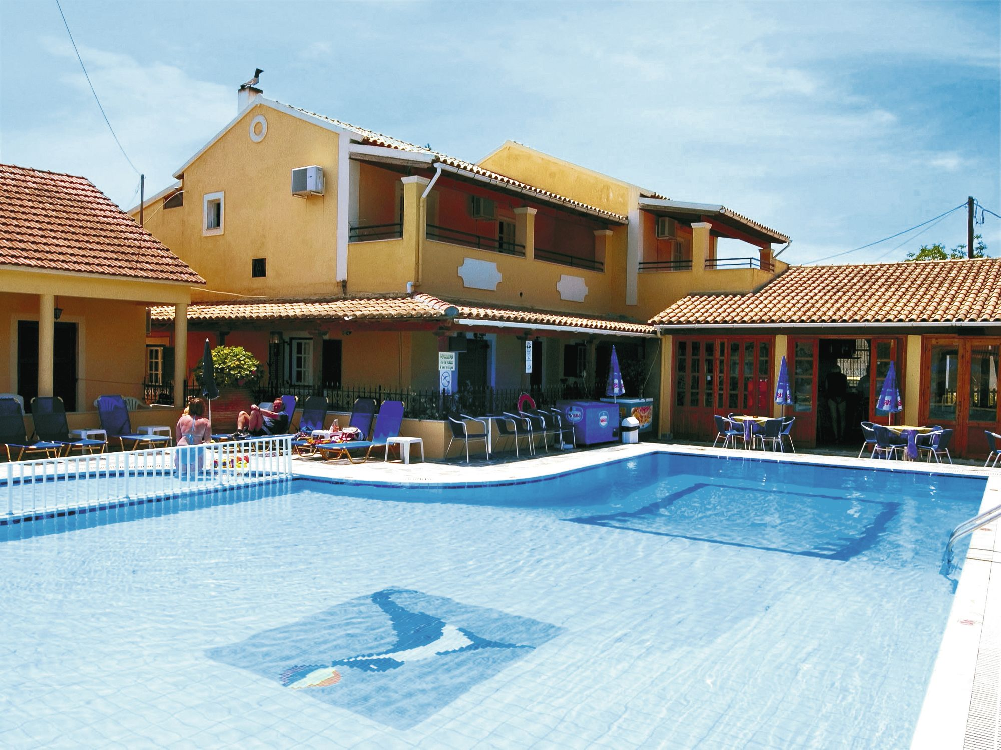 Holiday to Sunshine Studios  Apartments in SIDARI (GREECE) for 3 nights (SC) departing from east midlands on 21 May