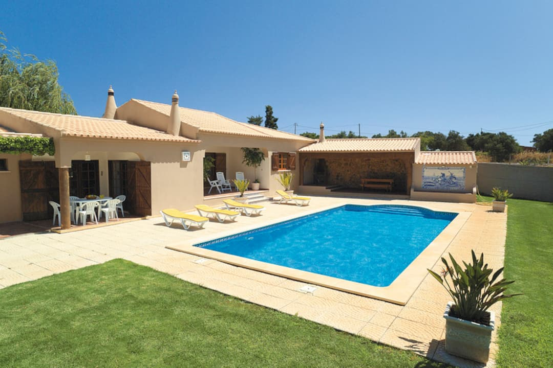 Holiday to Kimbo Villa in PRAIA DA LUZ (PORTUGAL) for 7 nights (SC) departing from stansted on 19 May