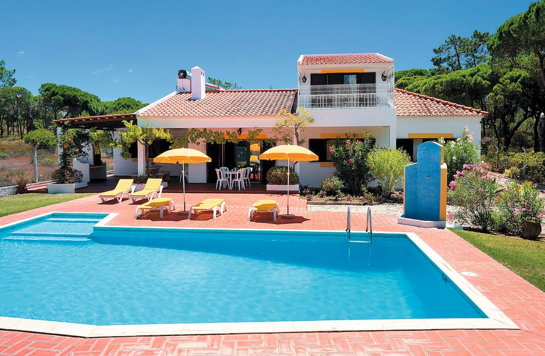 Holiday to Casa Gisela Villa in VALE DO LOBO (PORTUGAL) for 7 nights (SC) departing from stansted on 29 Sep
