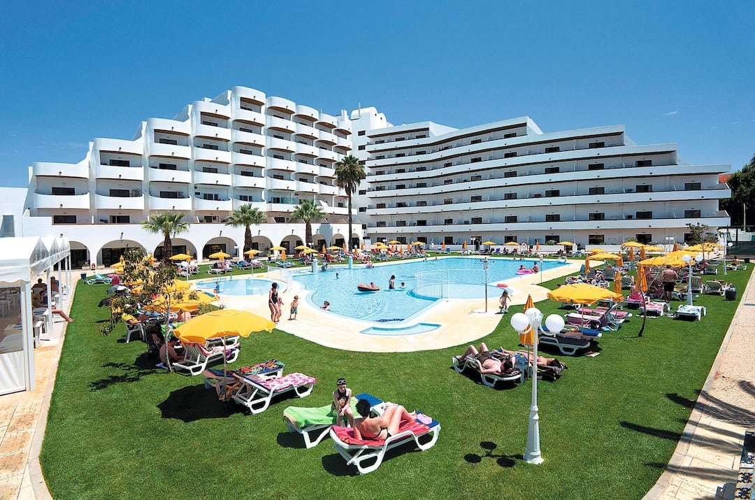 Holiday to Brisa Sol Aparthotel in ALBUFEIRA (PORTUGAL) for 4 nights (SC) departing from manchester on 10 May