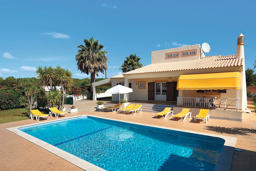 Holiday to Monte Serafina Villa in GUIA (PORTUGAL) for 7 nights (SC) departing from manchester on 10 May