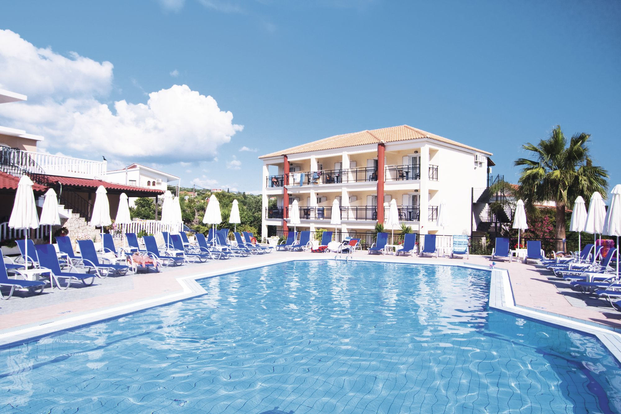 Holiday to Planet Studios & Apartments in TSILIVI (GREECE) for 3 nights (SC) departing from birmingham on 15 Oct