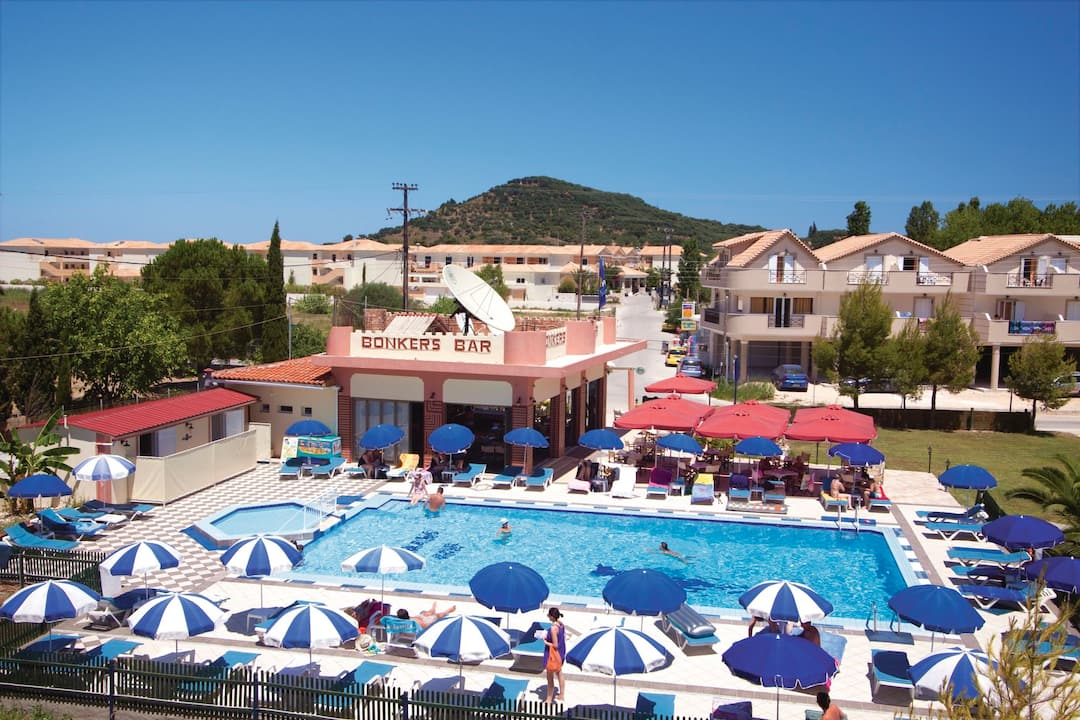Holiday to White House Studios in ALYKANAS (GREECE) for 3 nights (SC) departing from gatwick on 19 Oct