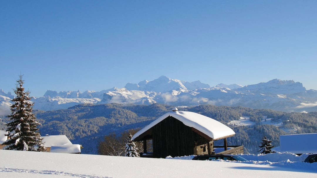 Home And Away Les Arcs