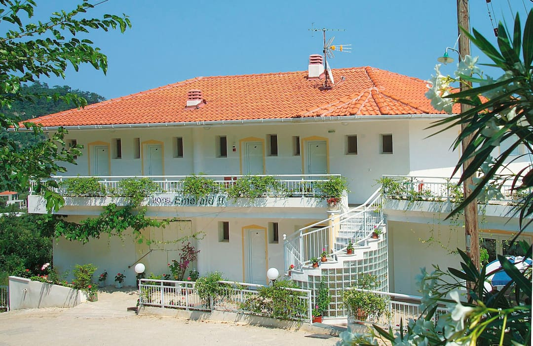 Holiday to Smaragdi Studios in GOLDEN BEACH (GREECE) for 7 nights (SC) departing from gatwick on 22 May