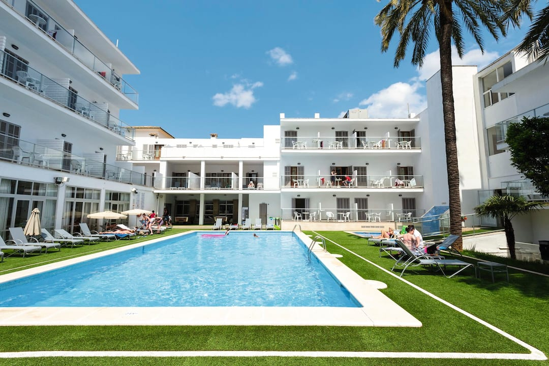 Holiday to Alcudia Hotel in ALCUDIA (SPAIN) for 3 nights (BB) departing from birmingham on 11 Jun