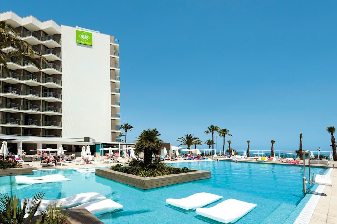 Holiday to Protur Playa Cala Millor in CALA MILLOR (SPAIN) for 3 nights (HB) departing from gatwick on 26 Mar