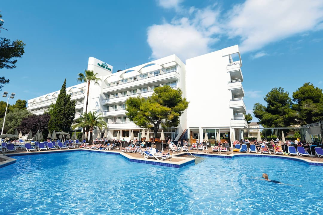 Holiday to Platja D'or Hotel in ALCUDIA (SPAIN) for 3 nights (AI) departing from gatwick on 05 May