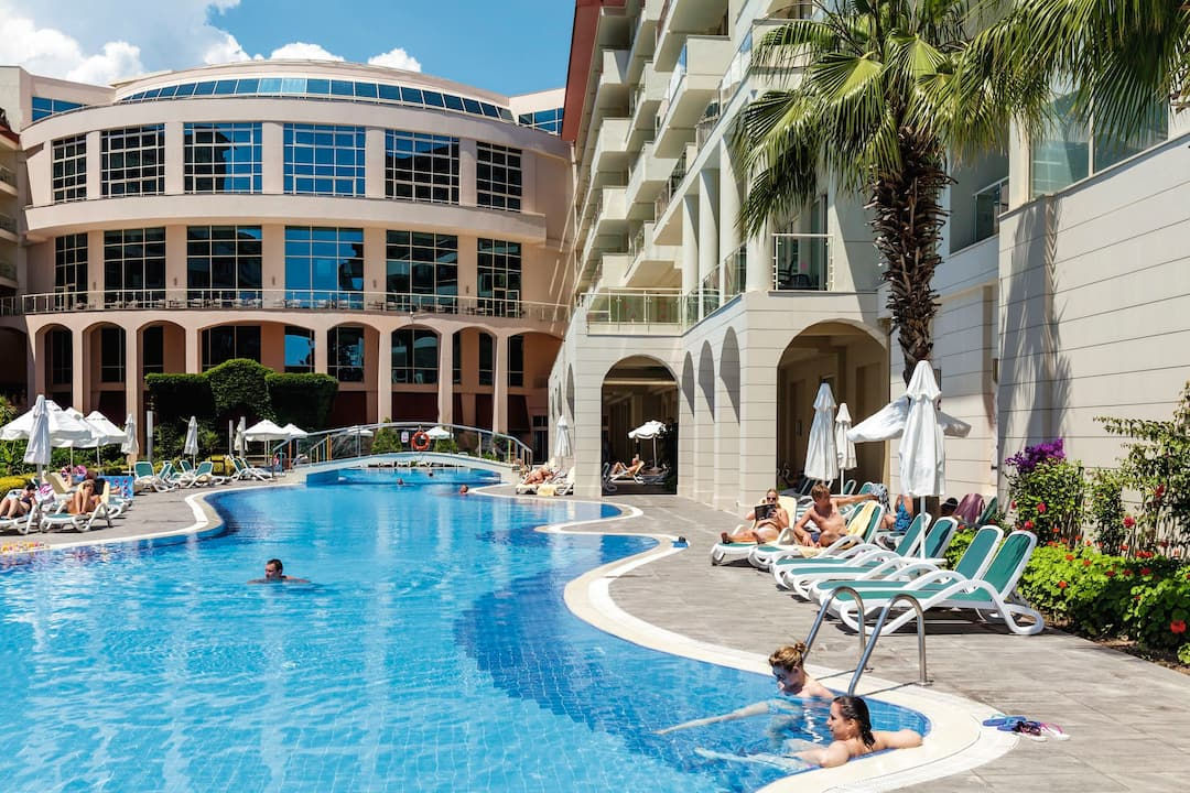 Holiday to Barut Kemer Resort in KEMER (TURKEY) for 4 nights (AI) departing from gatwick on 27 Apr