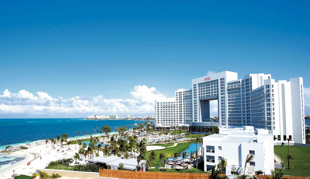 Holiday to Riu Palace Peninsula in CANCUN (MEXICO) for 7 nights (AI) departing from bristol on 14 May