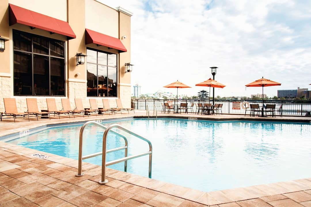 Holiday to Ramada Plaza Resort And Suites in INTERNATIONAL DRIVE (UNITED STATES OF AMERICA) for 7 nights (BB) departing from birmingham on 31 May