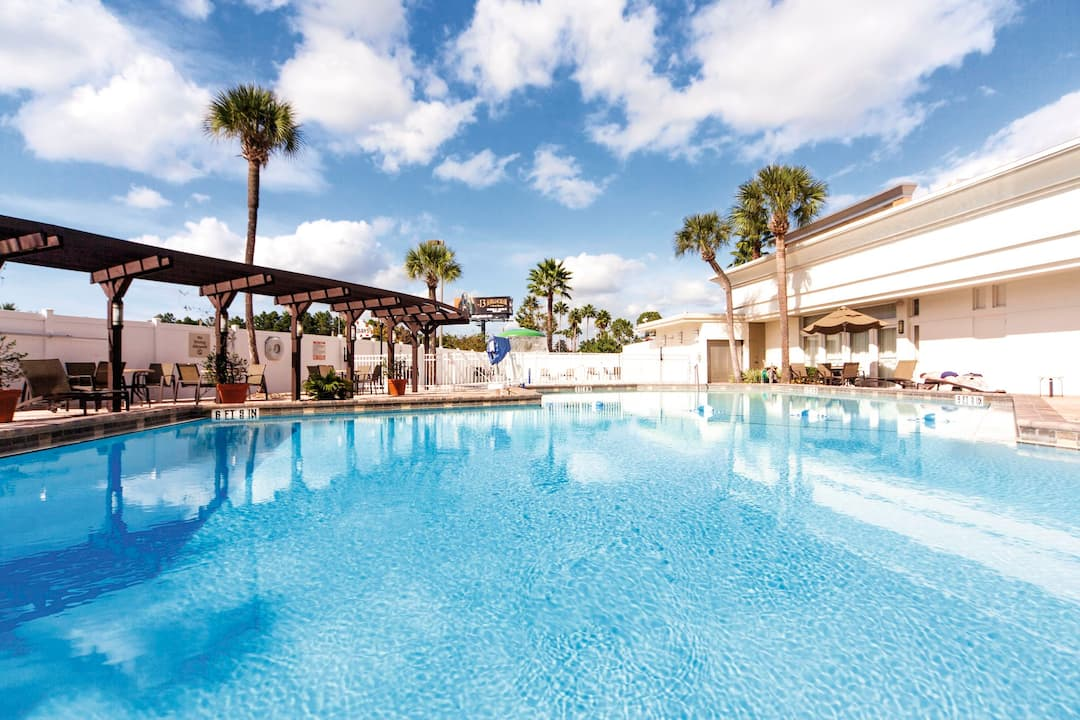 Holiday to Holiday Inn & Suites Across From Universal Orlando in INTERNATIONAL DRIVE (UNITED STATES OF AMERICA) for 7 nights (RO) departing from DSA on 02 May