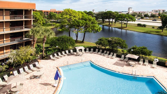 Clarion Inn Lake Buena Vista In Lake Buena Vista Thomson