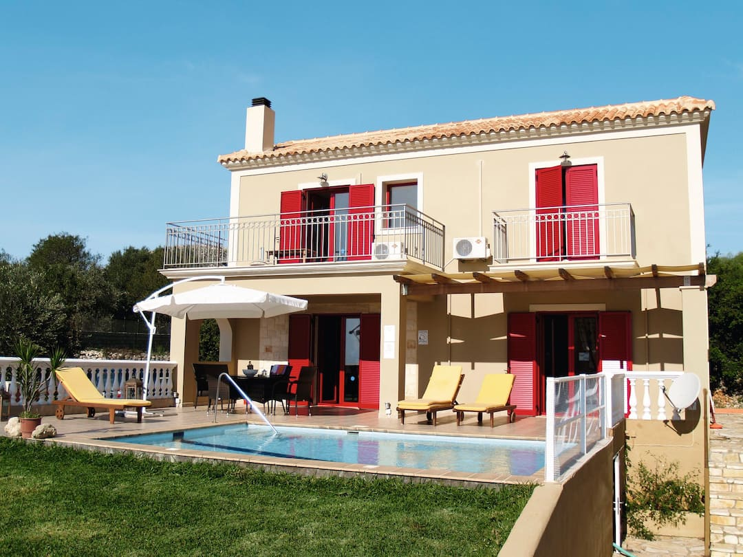 Holiday to Della Villa in KARAVADOS (GREECE) for 7 nights (SC) departing from stansted on 03 Oct