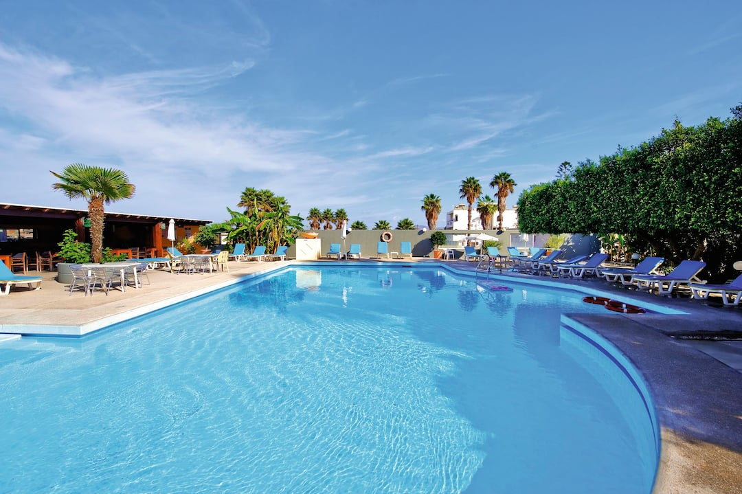 Holiday to Emmanouel Studios in LAMBI (GREECE) for 7 nights (SC) departing from gatwick on 29 Sep