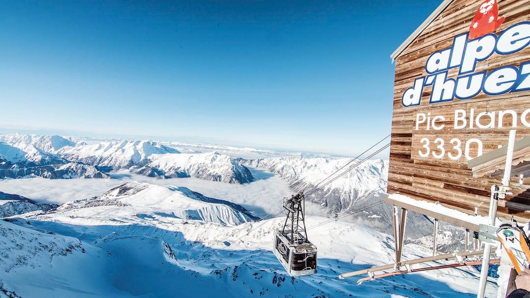 Ski alpe d 39 huez alpe d 39 huez france crystal ski for Lodges in france