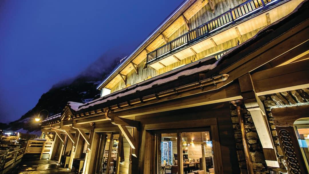 Hotel le samovar val d 39 is re crystal ski for Alpine cuisine samovar